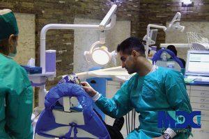 دکتر امید مقدس متخصص برجسته پریو در گروه مدرن