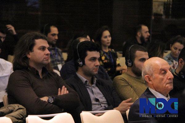 خبرنگاران در نشست