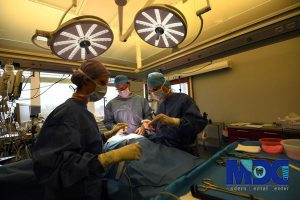 کاشت ایمپلنت در بیماران مبتلا به FDB