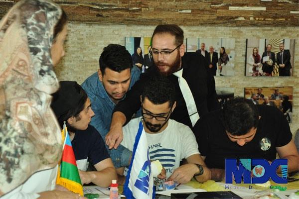 دانشجویان باکو در کلاس پروتز