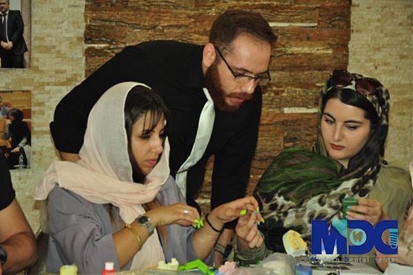 دانشجویان باکو در کلاس آموزشی پروتز