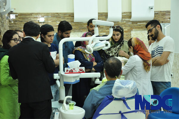 ابعاد کلینیک دندانپزشکی مدرن