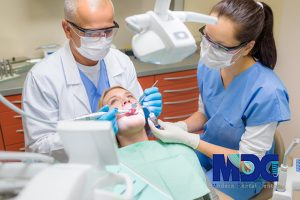 دوره-اموزش-دستیار-دندانپزشکی-کلینیک-دندانپزشکی-مدرن