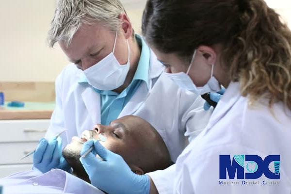 دستیار-دندانپزشک-کلینیک-دندانپزشکی-مدرن