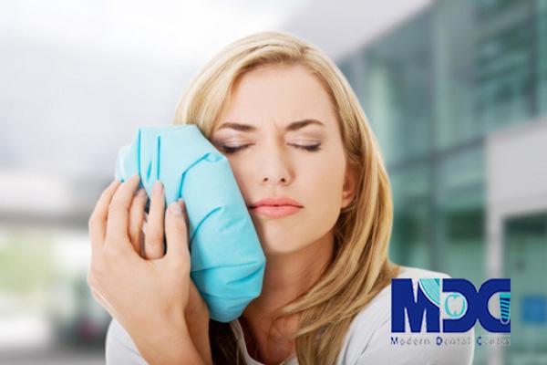 کمپرس-یخ-کلینیک-دندانپزشکی-مدرن