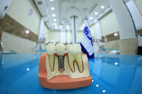 کلینیک-دندانپزشکی-مدرن