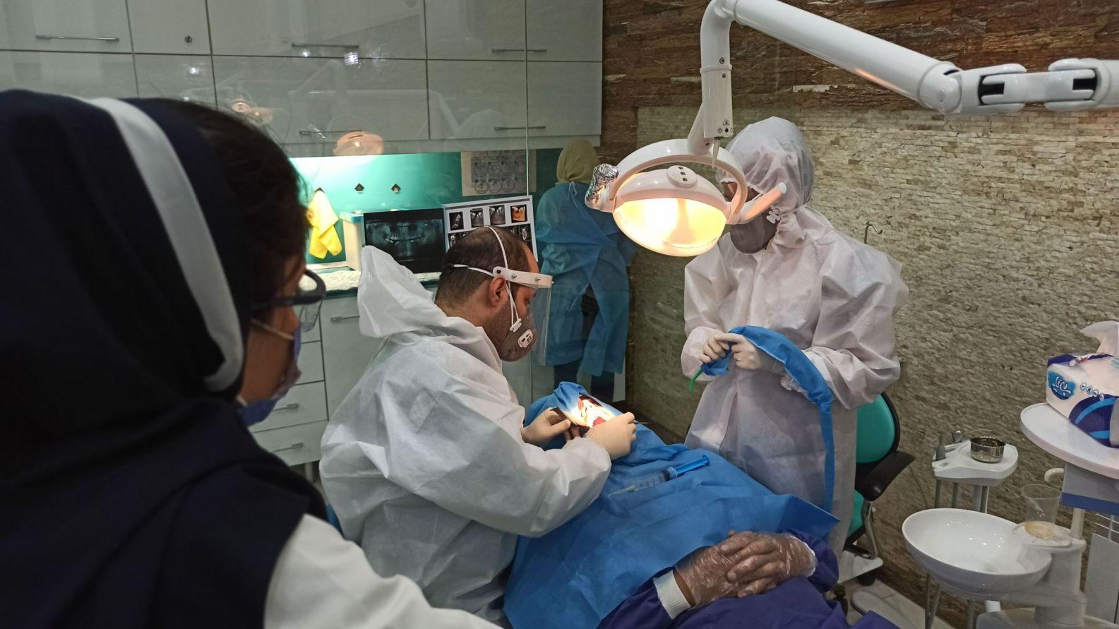 پوزیشن قرار گیری دستیار ، دندانپزشک و بیمار – قسمت نهم
